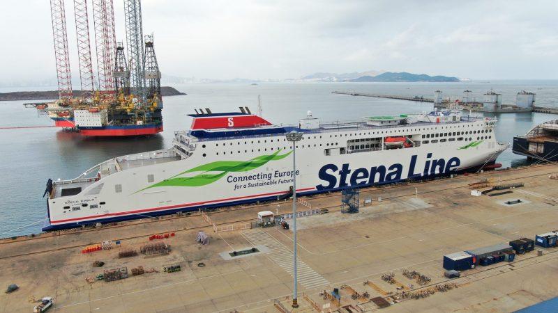 Stena Embla komt aan in Belfast. (Foto Stena Line)