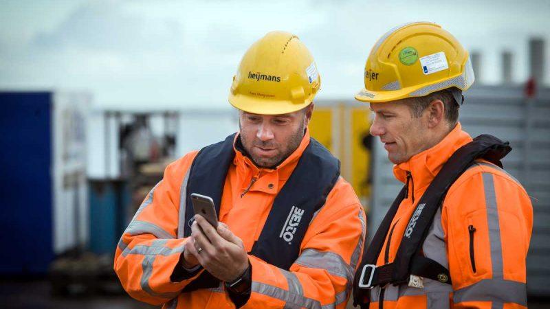 Heijmans gaat vijf jaar lang de onderhoudswerkzaamheden uitvoeren aan de vaarwegen in Oost-Nederland. (Foto Heijmans)