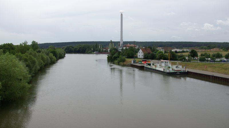 Het Main-Donaukanaal bij Eggolsheim (Foto Wikipedia)