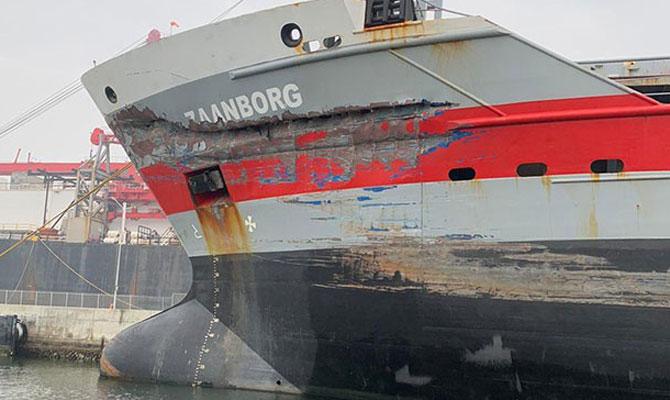De gehavende boeg van de Zaanborg (Foto Port of Ravenna)
