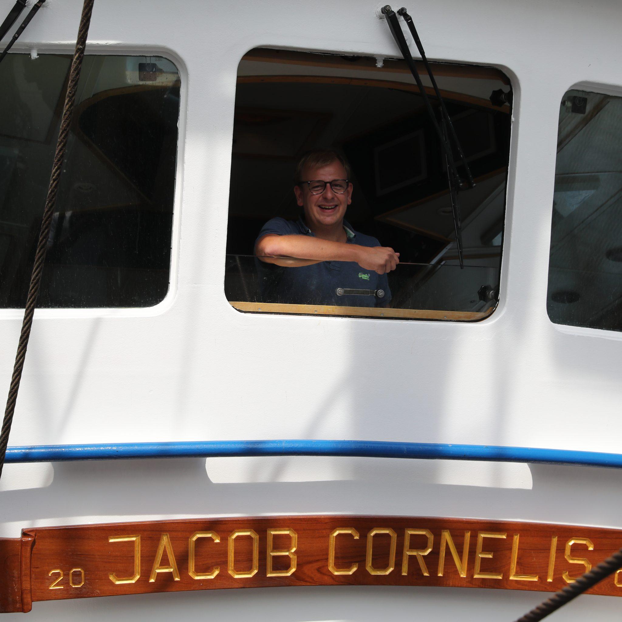 Robin Dekker ziet het als schipper op een eigen kotter helemaal zitten. (Foto Bram Pronk)