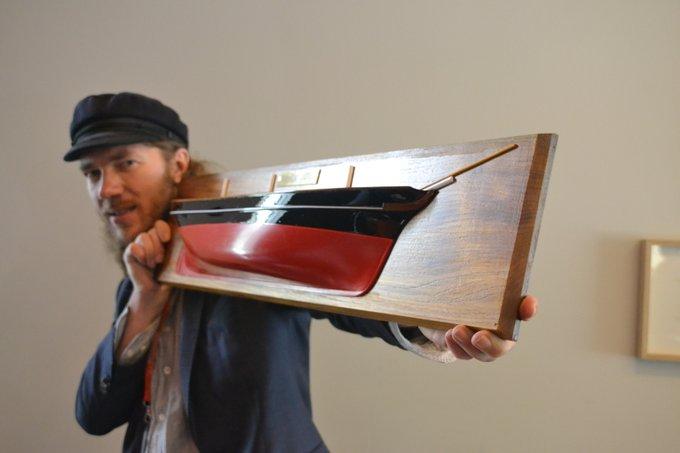 Jorn Langelaan met het prototype van de EcoClipper500. (Foto EcoClipper)
