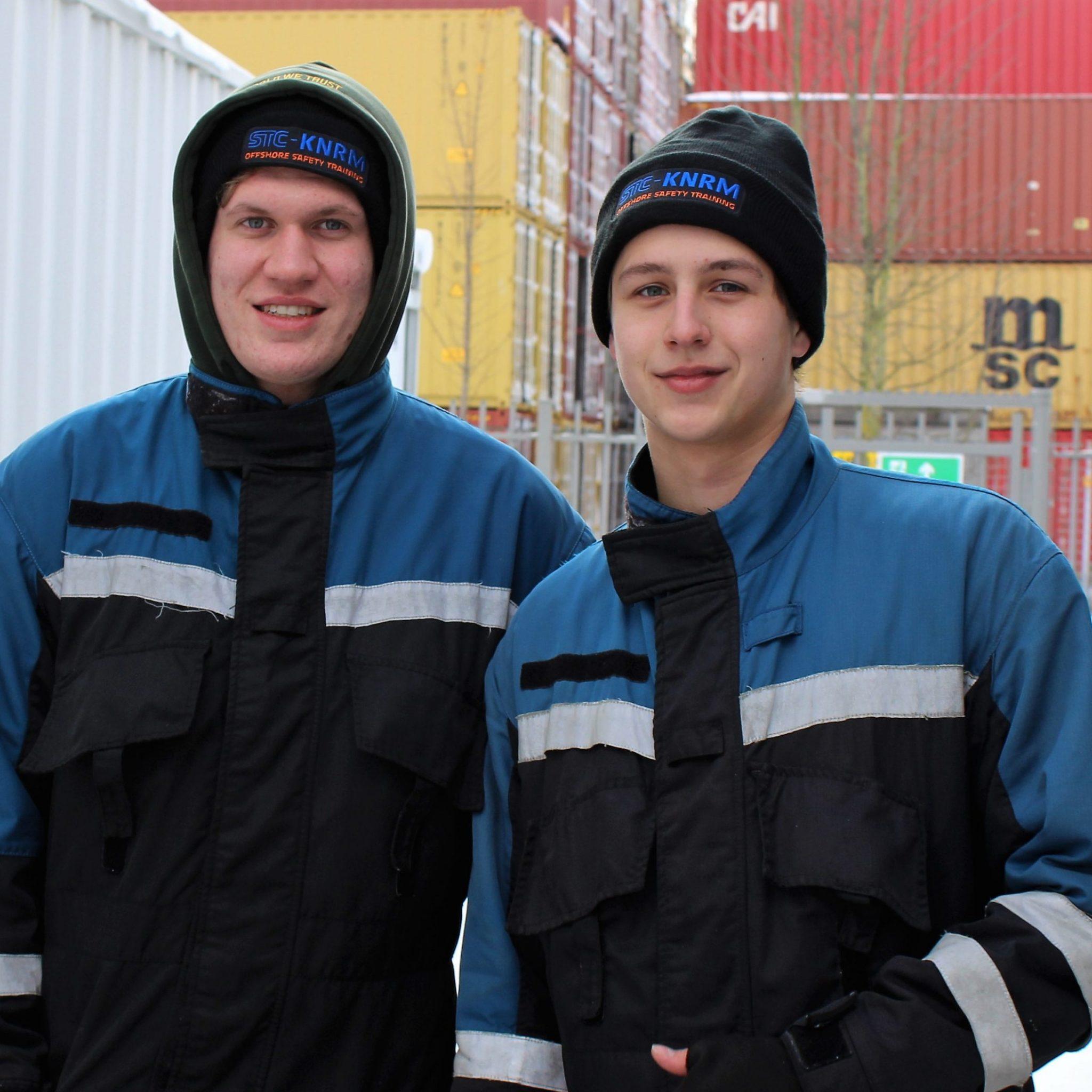 Twee MBO studenten van het Rotterdamse STC. Zij krijgen praktische trainingen. (Foto Hans Heynen)