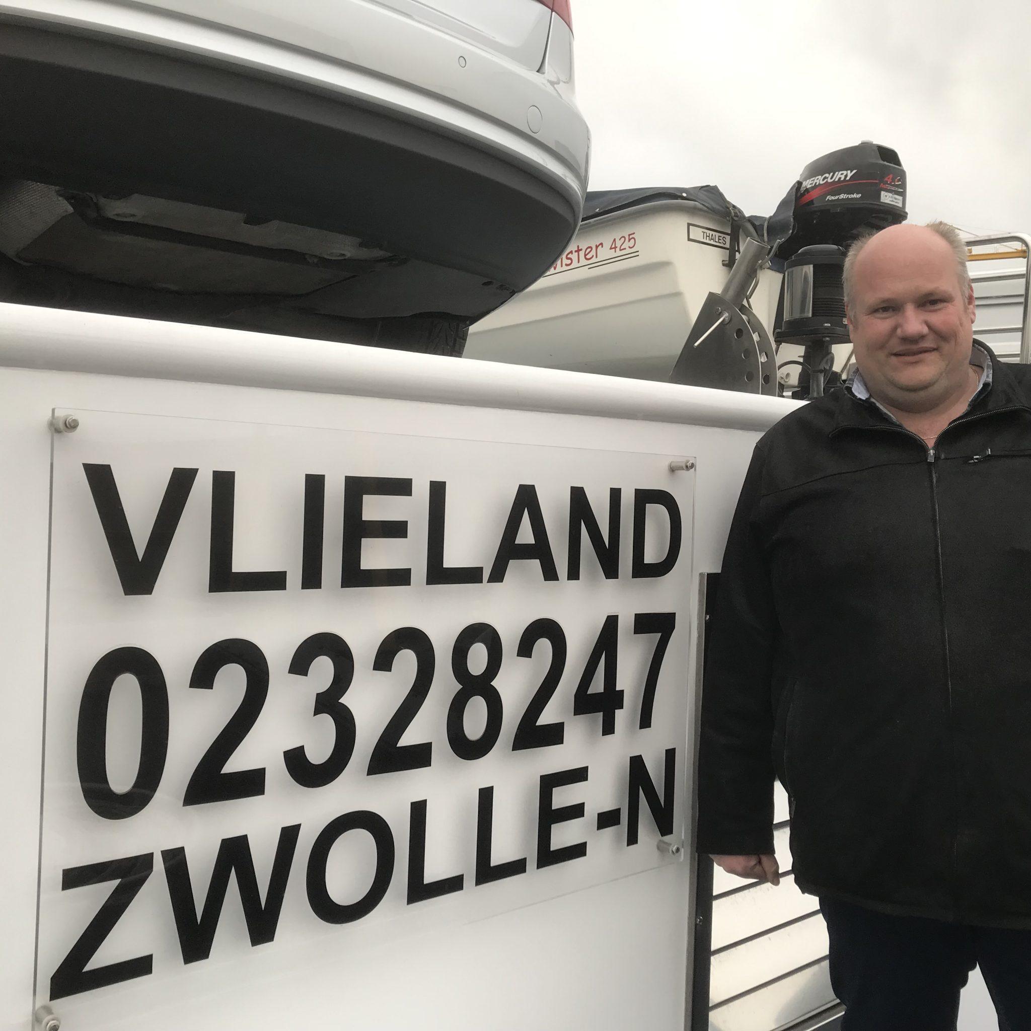 Schipper Ferry Wemeijer: 'Mensen van de wal hebben heel ouderwets beeld van binnenvaart. (Foto Hannie Visser-Kieboom)
