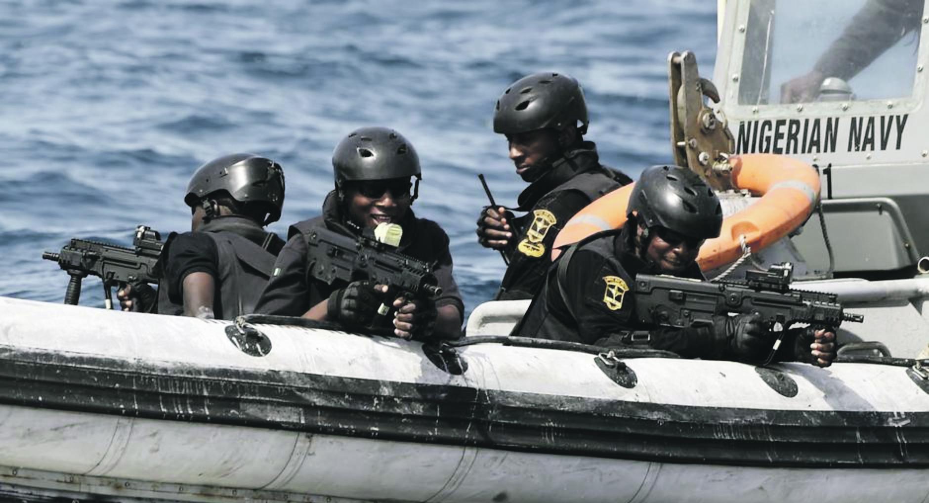 De nieuwe hoogste baas van de Nigeriaanse marine heeft een zero tolerance beleid afgekondigd voor officieren die worden betrapt op samenwerking met piraten