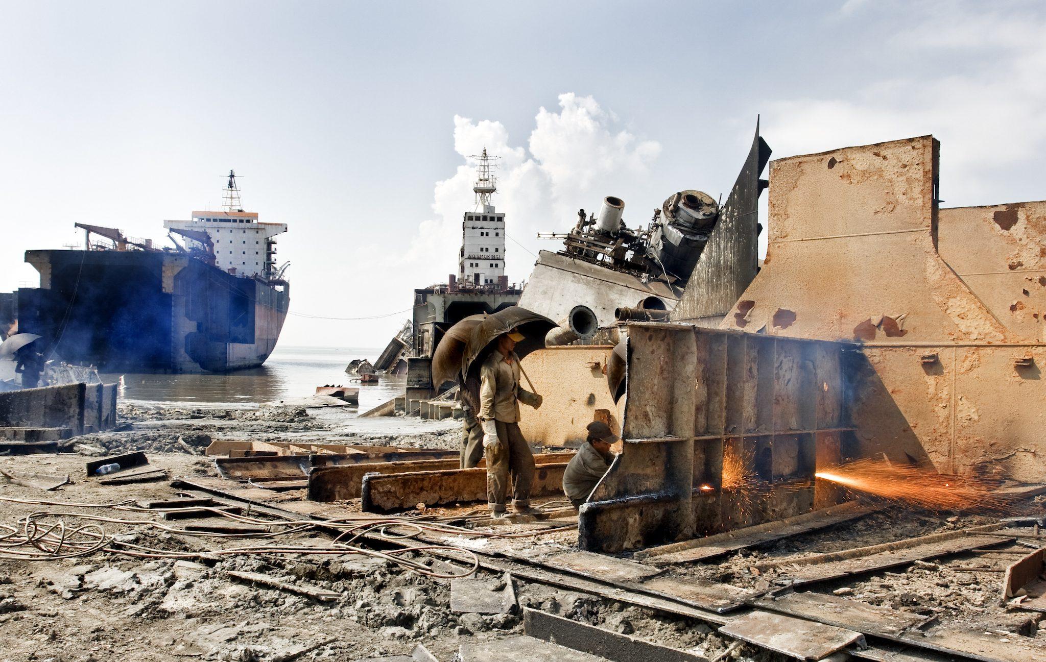 Ter illustratie: De situatie op sloopstranden is vaak erbarmelijk. (Foto Nieuwsblad Transport)