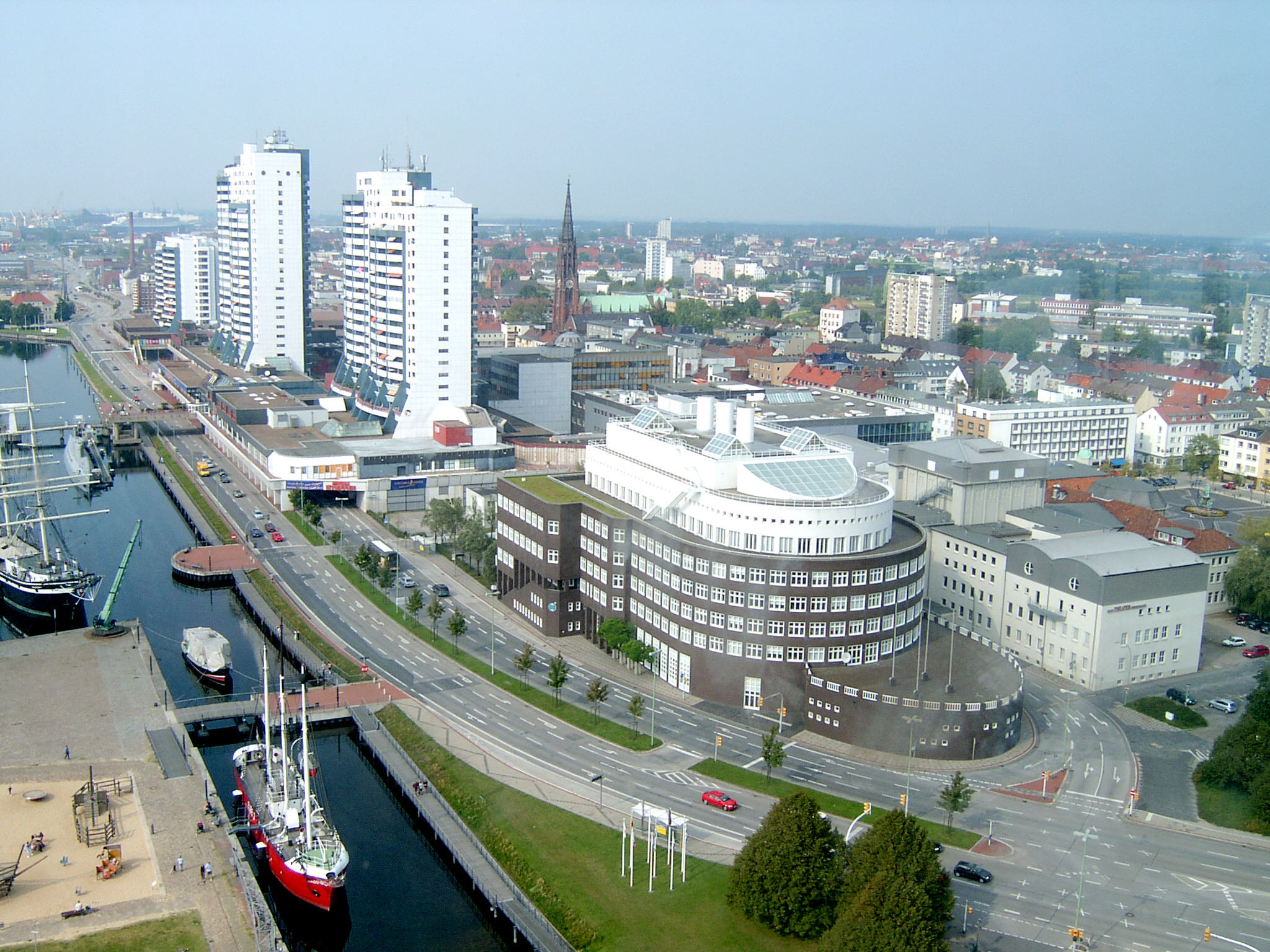 De Bremerhaven heeft capaciteit verloren aan de havens van Antwerpen en Rotterdam. (Foto Wikipedia)