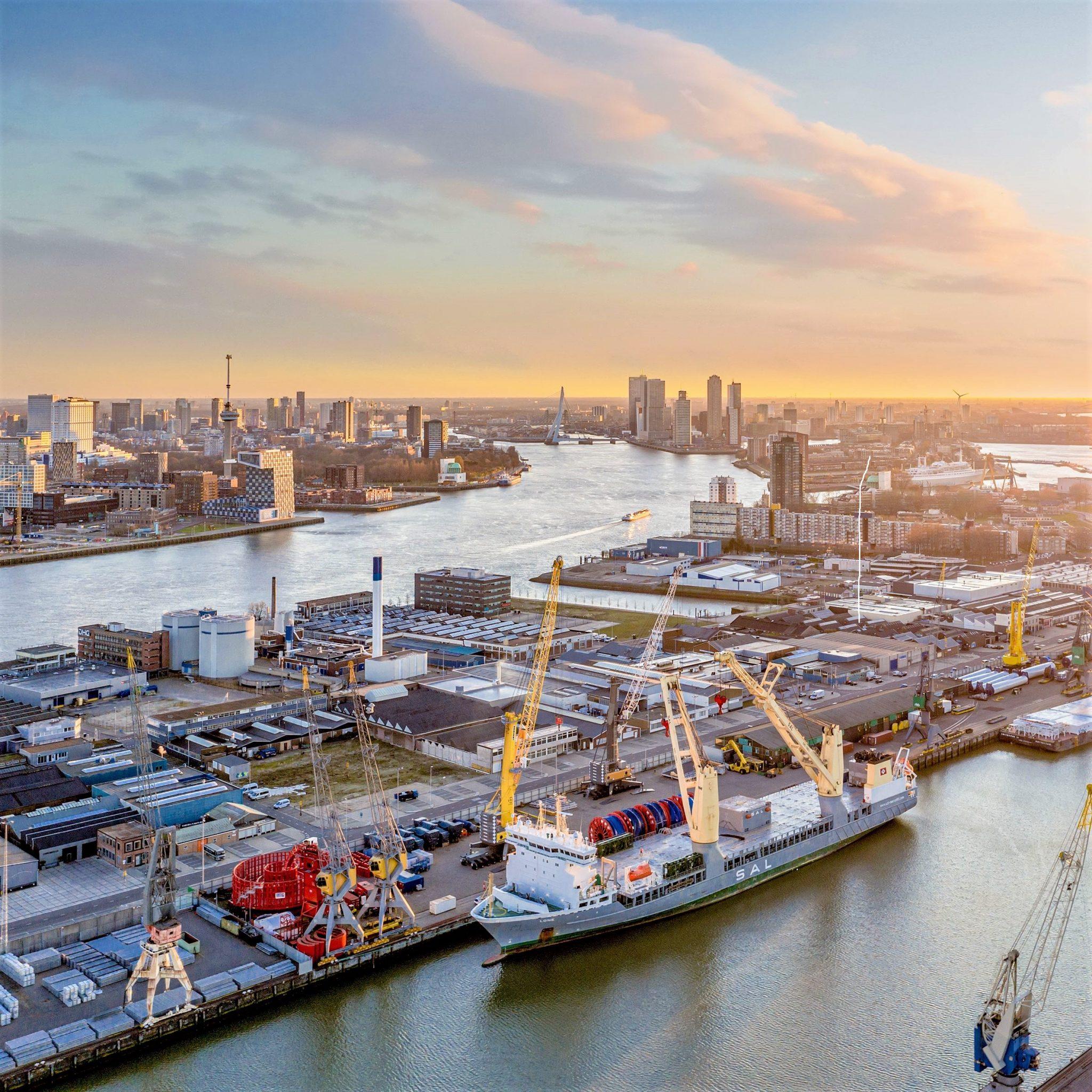 Rotterdam is een belangrijke sleutelstad voor breakbulk. (Foto SAL Heavy Lift)