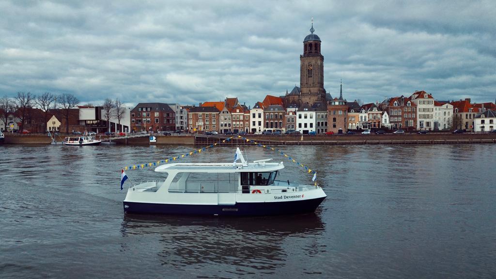 De elektrische pont Stad Deventer E. Foto Rederij Thuishaven
