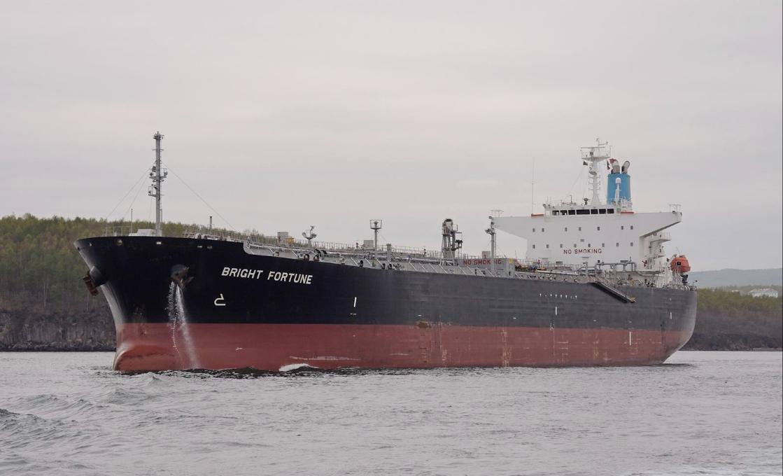 De Griekse rederij Velos Tankers kocht de productentanker Bright Fortune uit 2010.