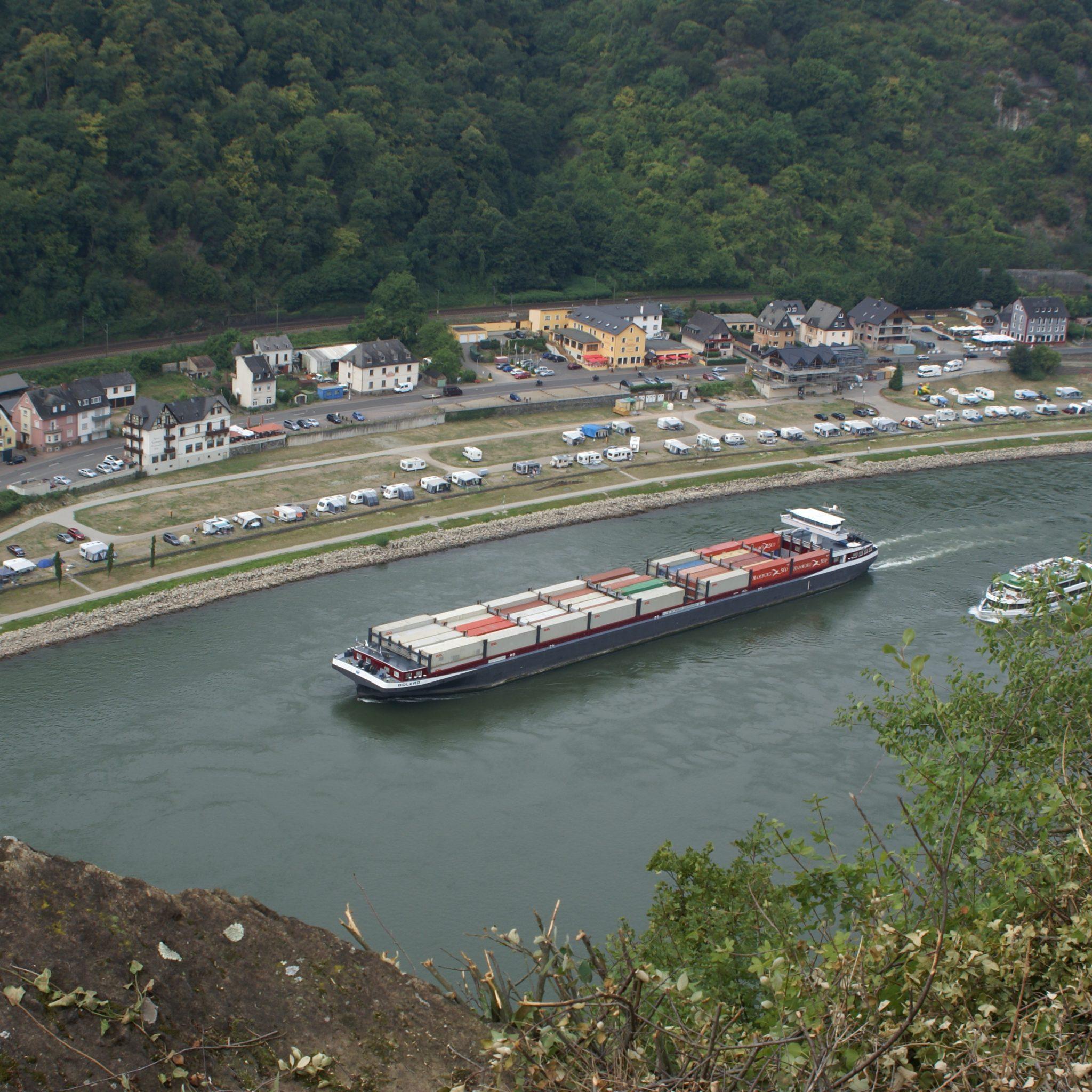 Meer binnenvaartschepen zullen Lorelei gaan passeren door problemen op het spoor (Foto: Nieuwsblad Transport)