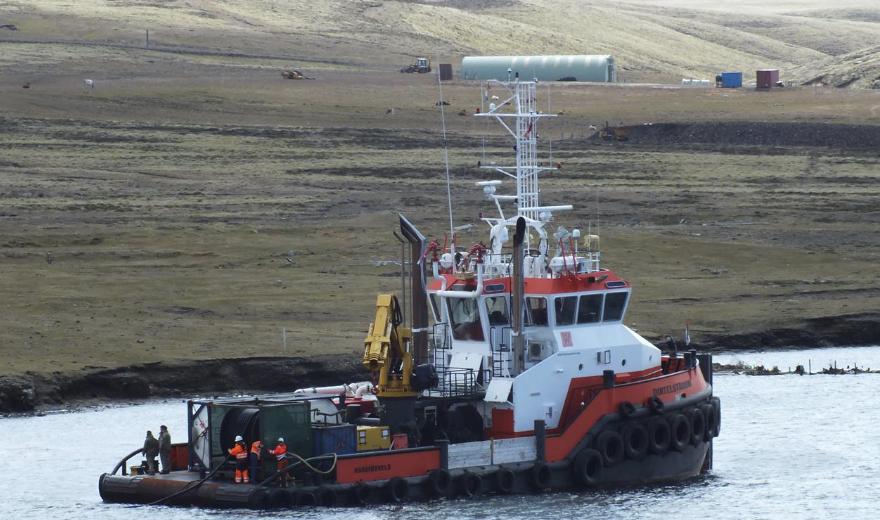 De Dintelstroom was in 2018 aan het werk bij de Falklandeilanden toen het aan dek verschrikkelijk mis ging.