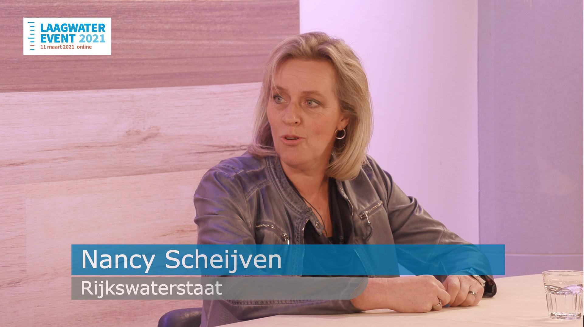 Nancy Scheijven van Rijkswaterstaat aan tafel bij het Laagwater event 2021
