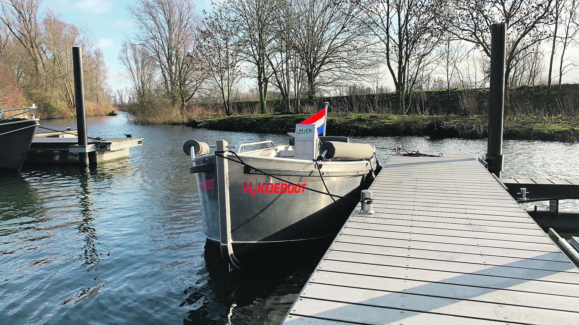 Met de sloep is proefgevaren in de Biesbosch. (Foto Koedood)