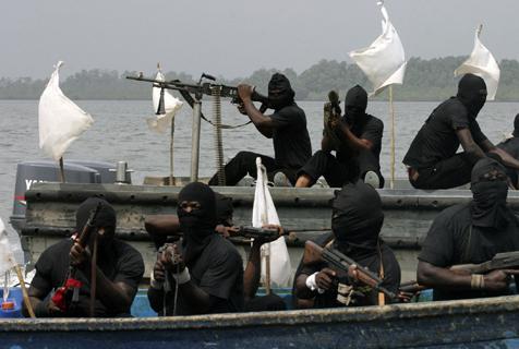 Nigeriaanse politie doodt 4 piraten. (Foto Information Nigeria)