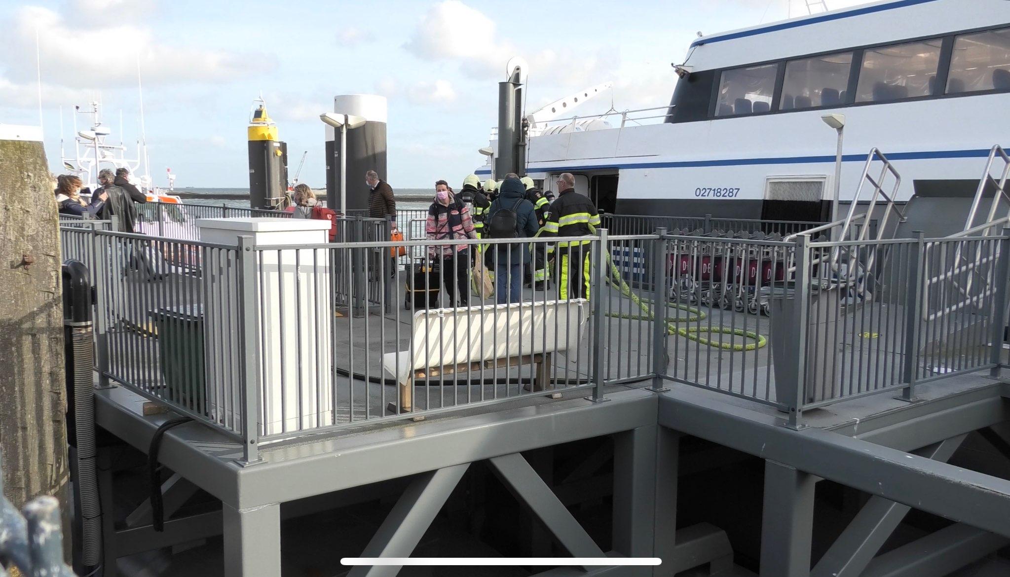 Op de veerboot Koegelwieck naar Terschelling heeft woensdagavond brand gewoed in de machinekamer. Foto Jaring Rispens