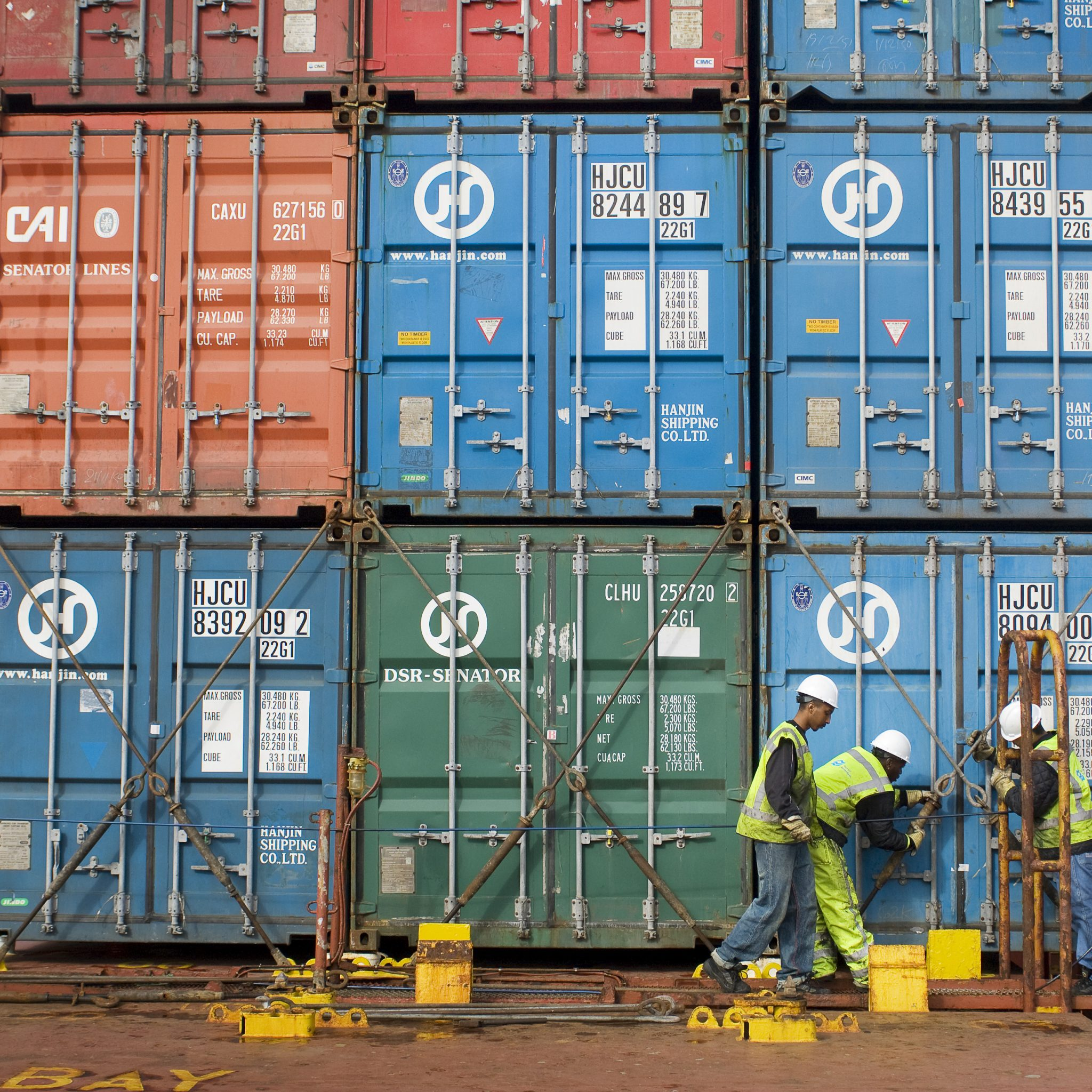 'Het werken in de havens is zo zwaar, dat houd je niet vol tot je 67e.' (Foto ANP)