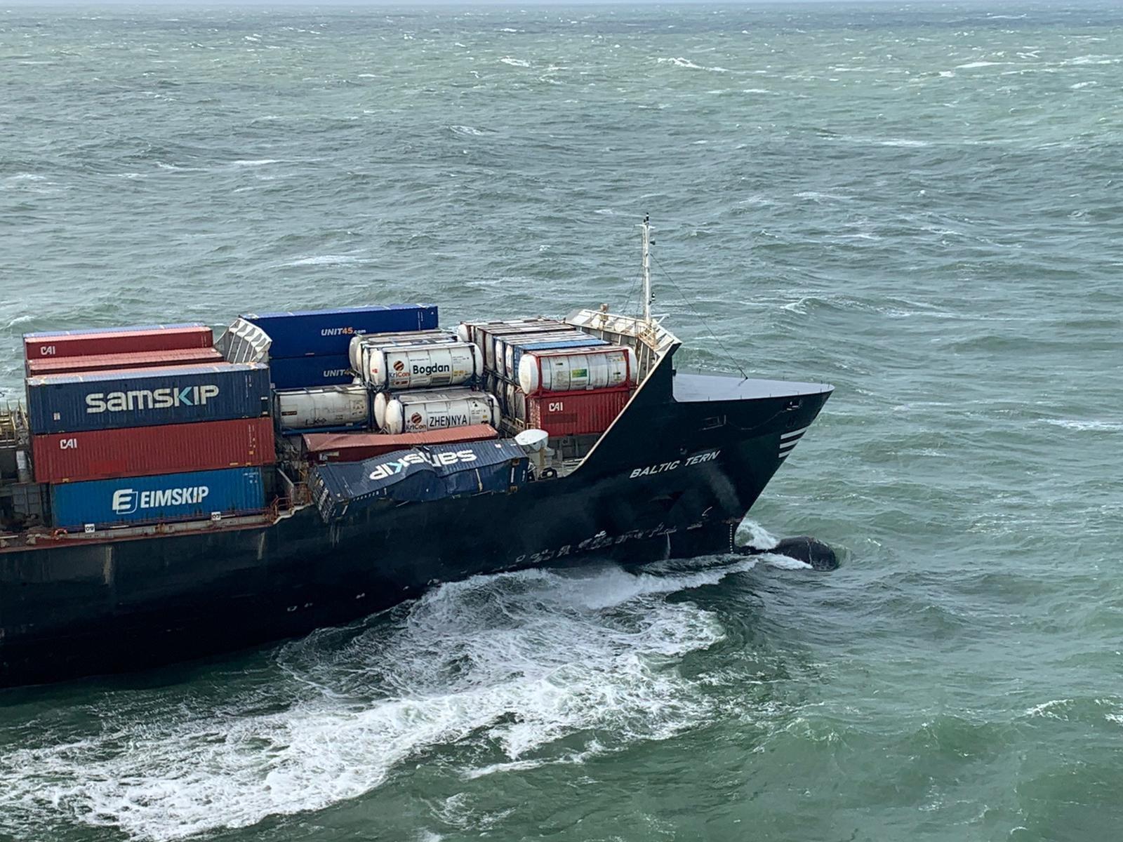 De Baltic Tern die vijf containers verloor (Foto Kustwacht Nederland)