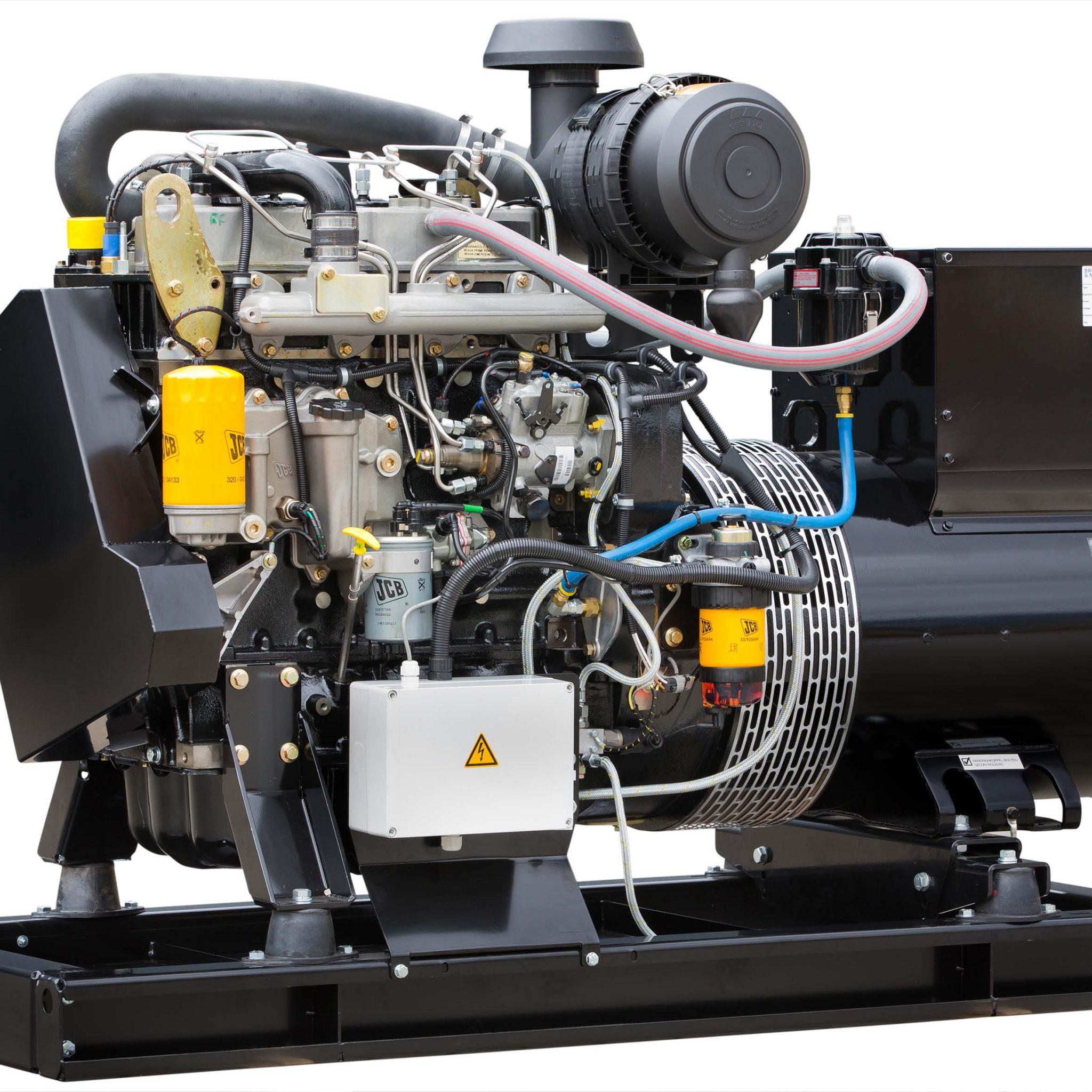 Een Stage V-gecertificeerde generatorset voor de binnenvaart bestaande uit de JCB viercilinder turbo dieselmotor en een Mecc Alte generator. (Foto Brinkmann en Niemeijer)