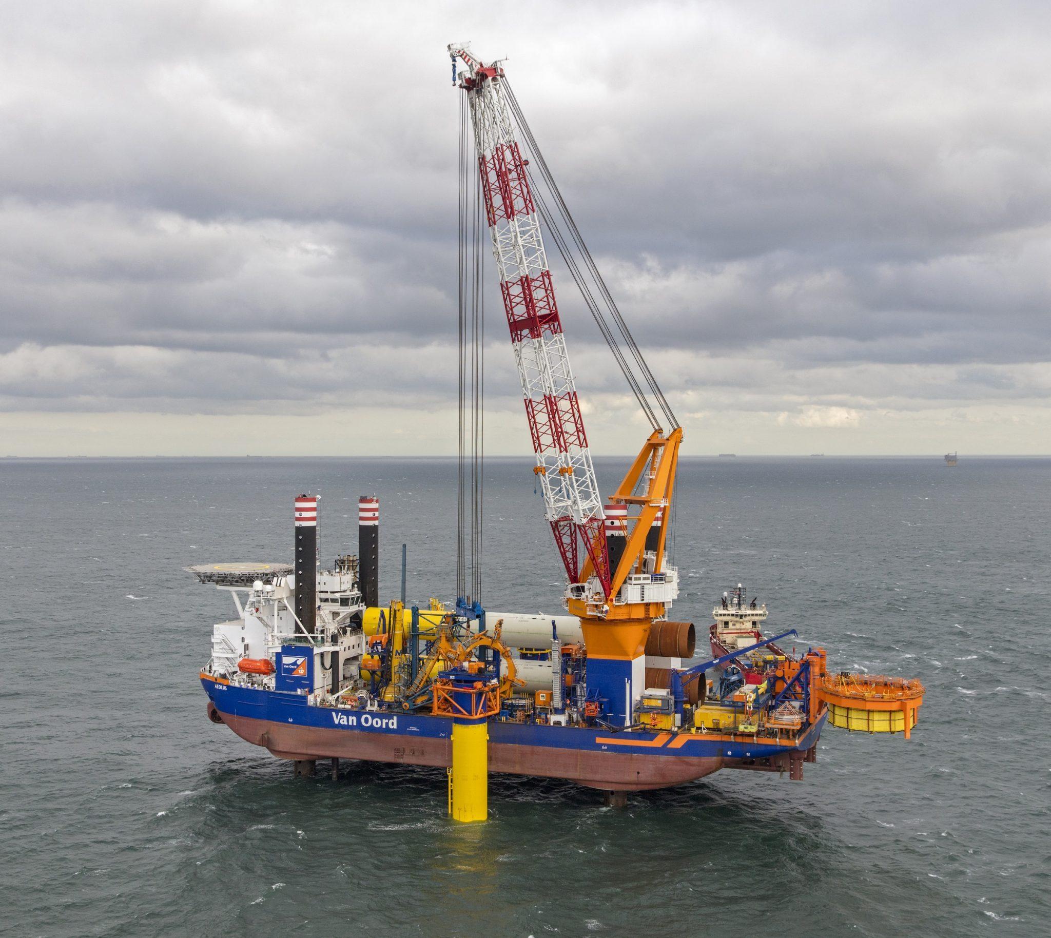 Van Oord hier bezig met de aanleg van een offshore windpark (Foto Van Oord)
