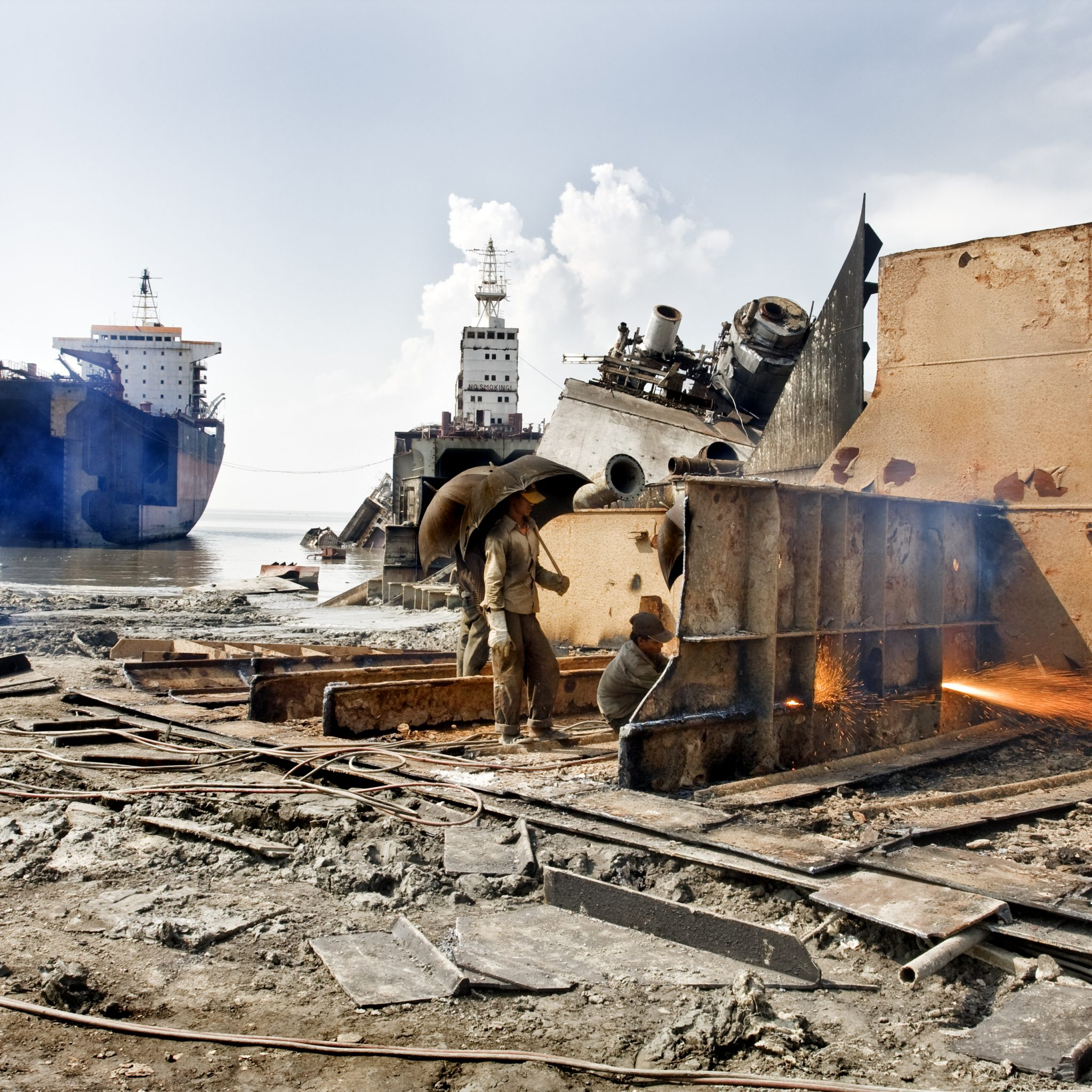 Een sloopstrand in Bangladesh. (Foto Wikipedia)