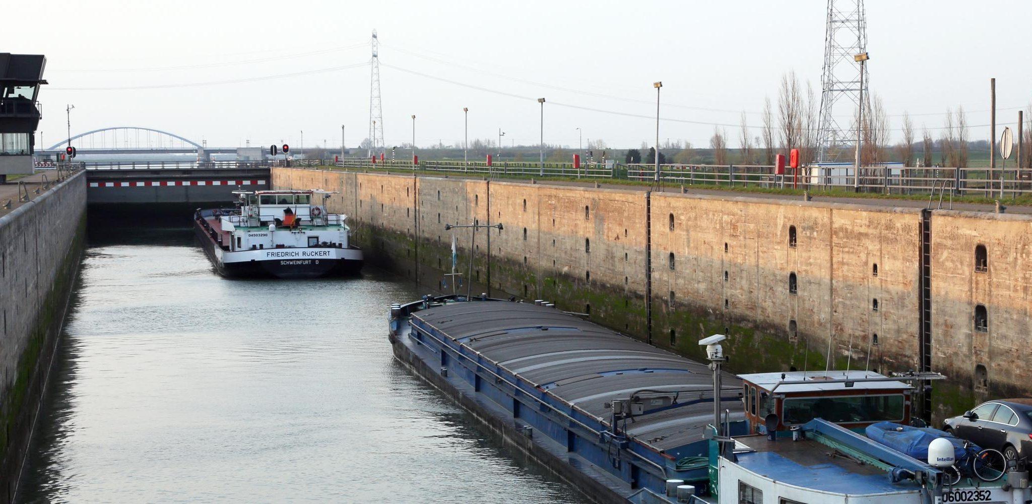 De sluis bij Hansweert. (Foto Binnenvaart in Beeld)