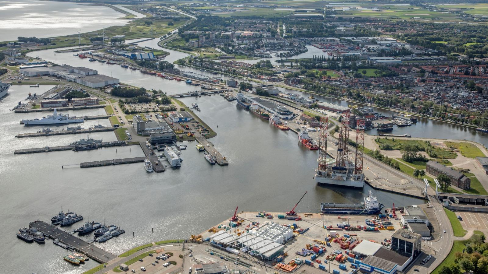De haven van Den Helder is nu met een omweg toch bereikbaar voor Britse vissers (Foto Port of Den Helder)