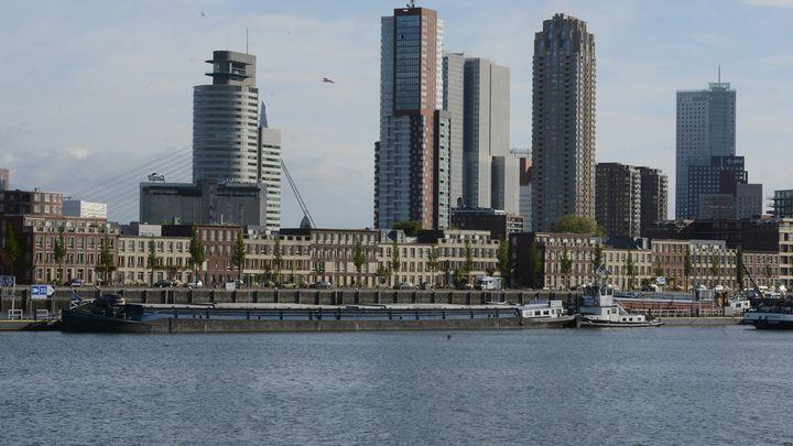 De CO2-uitstoot van de Rotterdamse haven is de afgelopen vier jaar sneller afgenomen dan het landelijk gemiddelde. (Foto Port of Rotterdam)