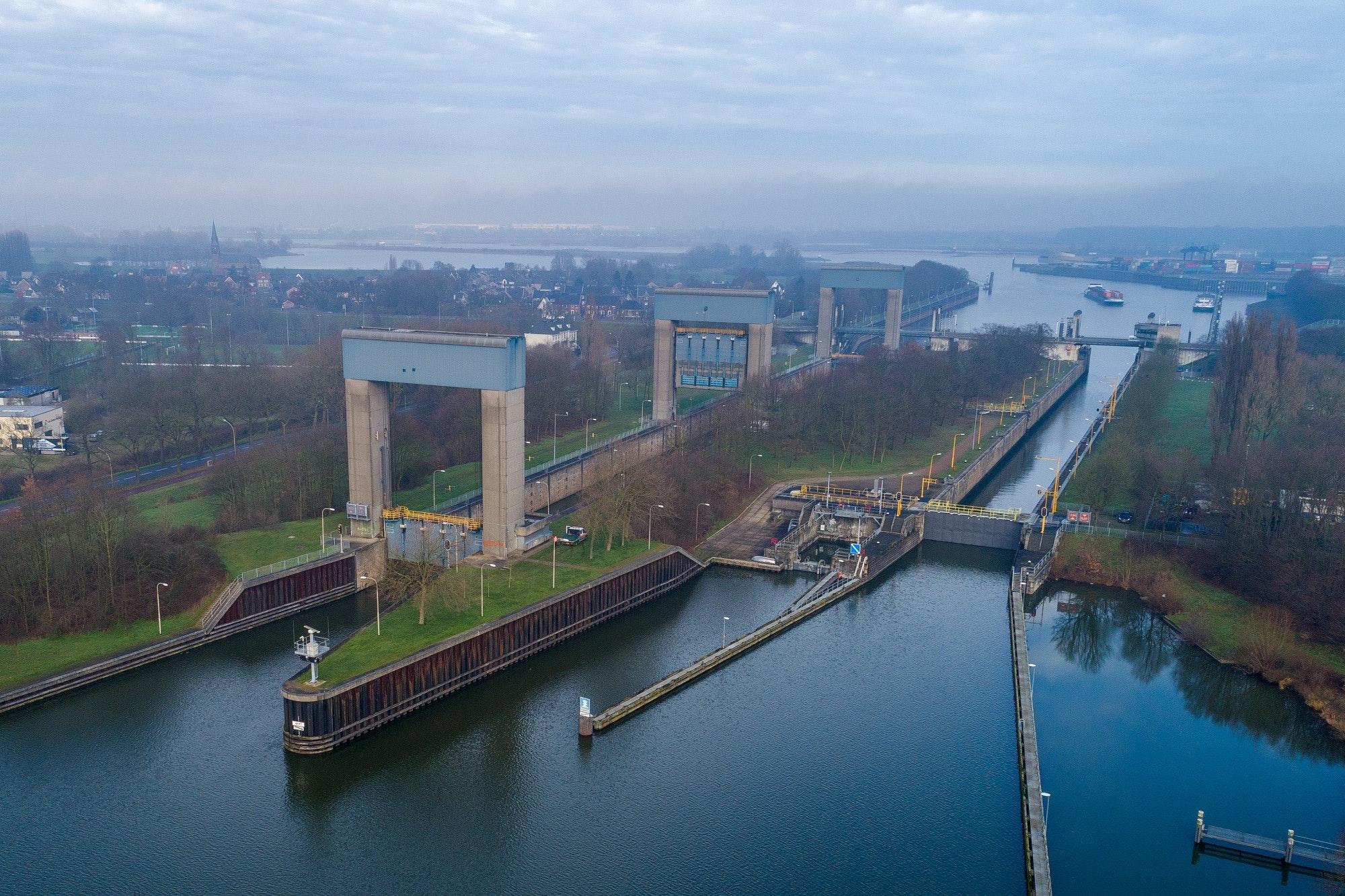 COV wil onder andere dat er een extra kolk komt bij Sluis Weurt (Foto Rijkswaterstaat)