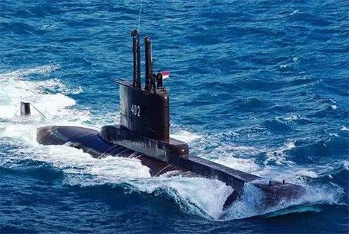 De 44 jaar oude KRI Nanggala-402 duikboot verdween woensdag op zo'n 95 kilometer van de kust van Bali.