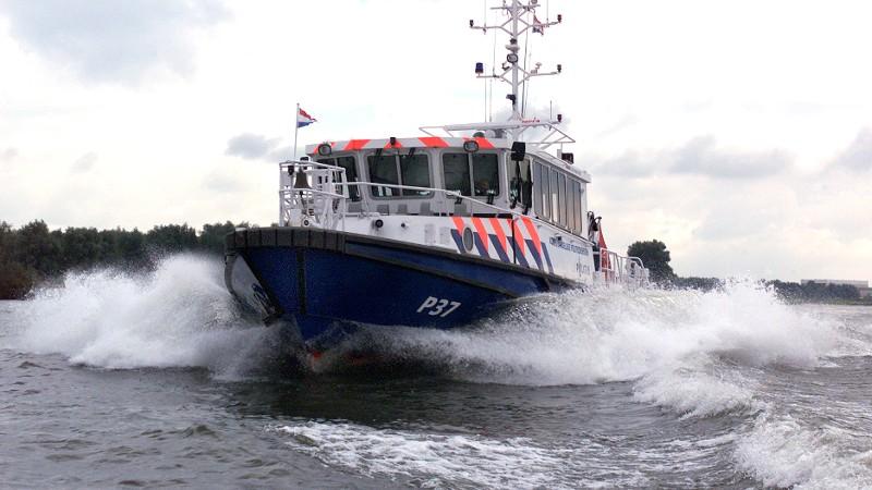 Foto: Politiepatrouilleboot op de Maas (Foto politie.nl)
