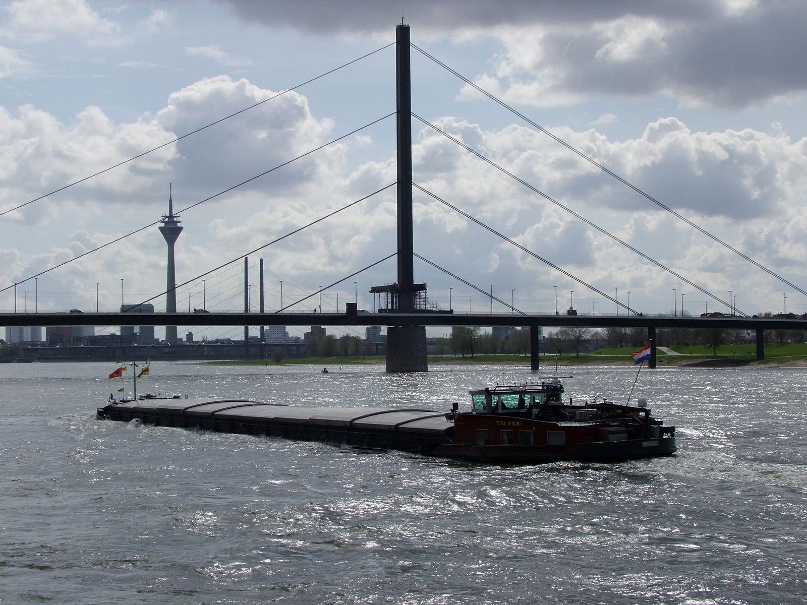 Mensen die van Nederland naar Duitsland reizen hoeven vanaf 30 mei 2021 niet meer al bij het passeren van de grens alover een negatieve test te beschikken.