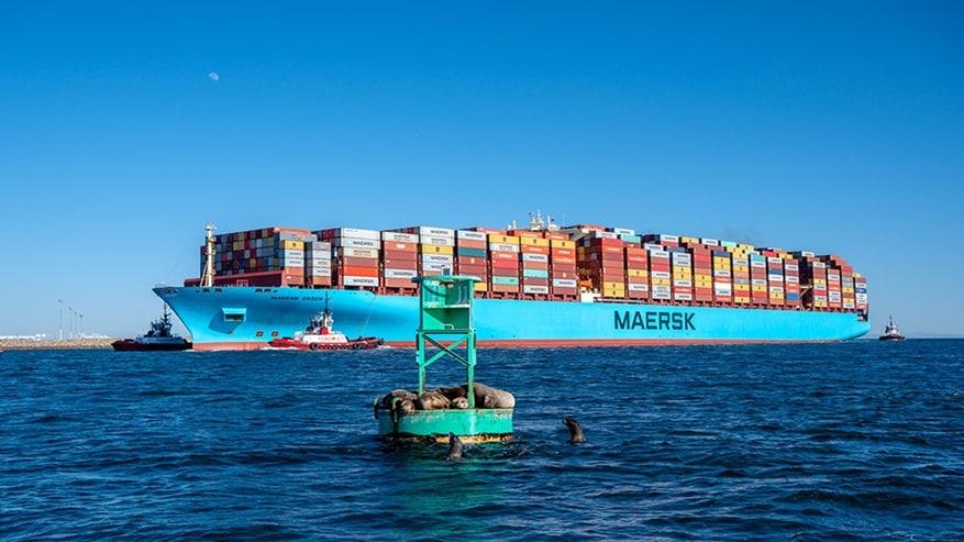 De Maersk Essen voor de kust van Los Angeles (Foto Maersk)
