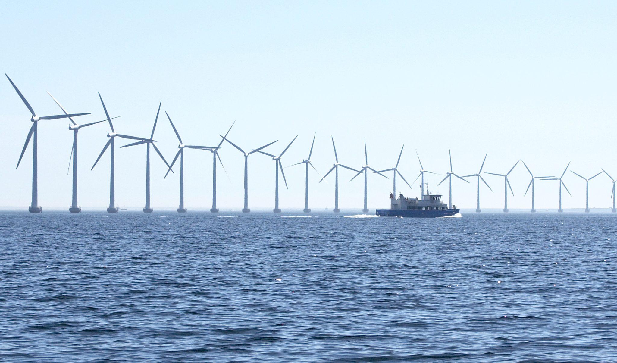 Het aandeel hernieuwbare elektriciteit in Nederland is nu 14%. Door maximaal in te zetten op elektrificatie gaat onze elektriciteitsvraag echter omhoog. Die is ten opzichte van 2000 met 13% gestegen. Archieffoto Schuttevaer