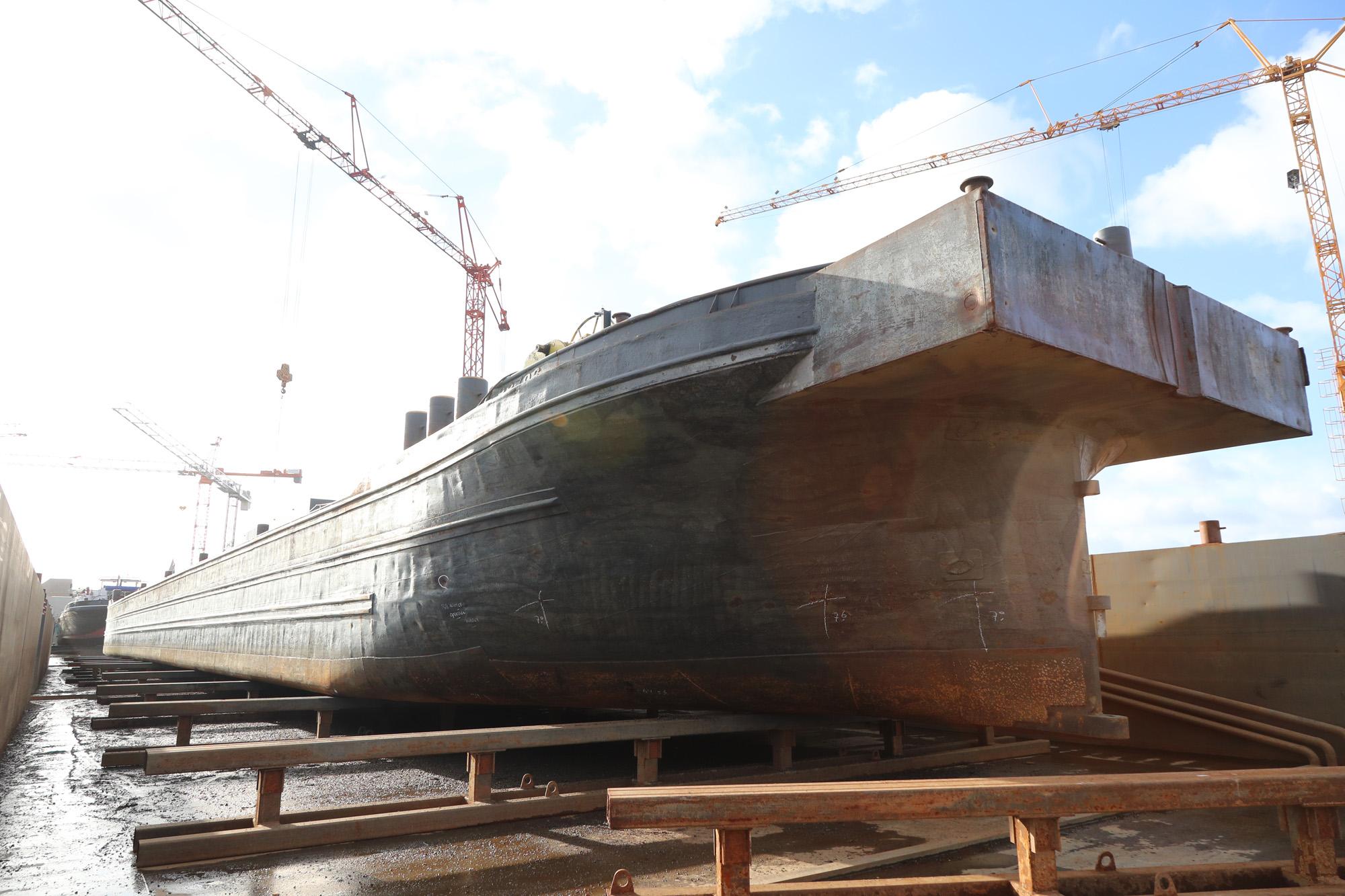 Het contact tussen scheepswerven en binnenvaartondernemers wordt onderzocht door de student (Foto Scheepswerf Tinnemans)