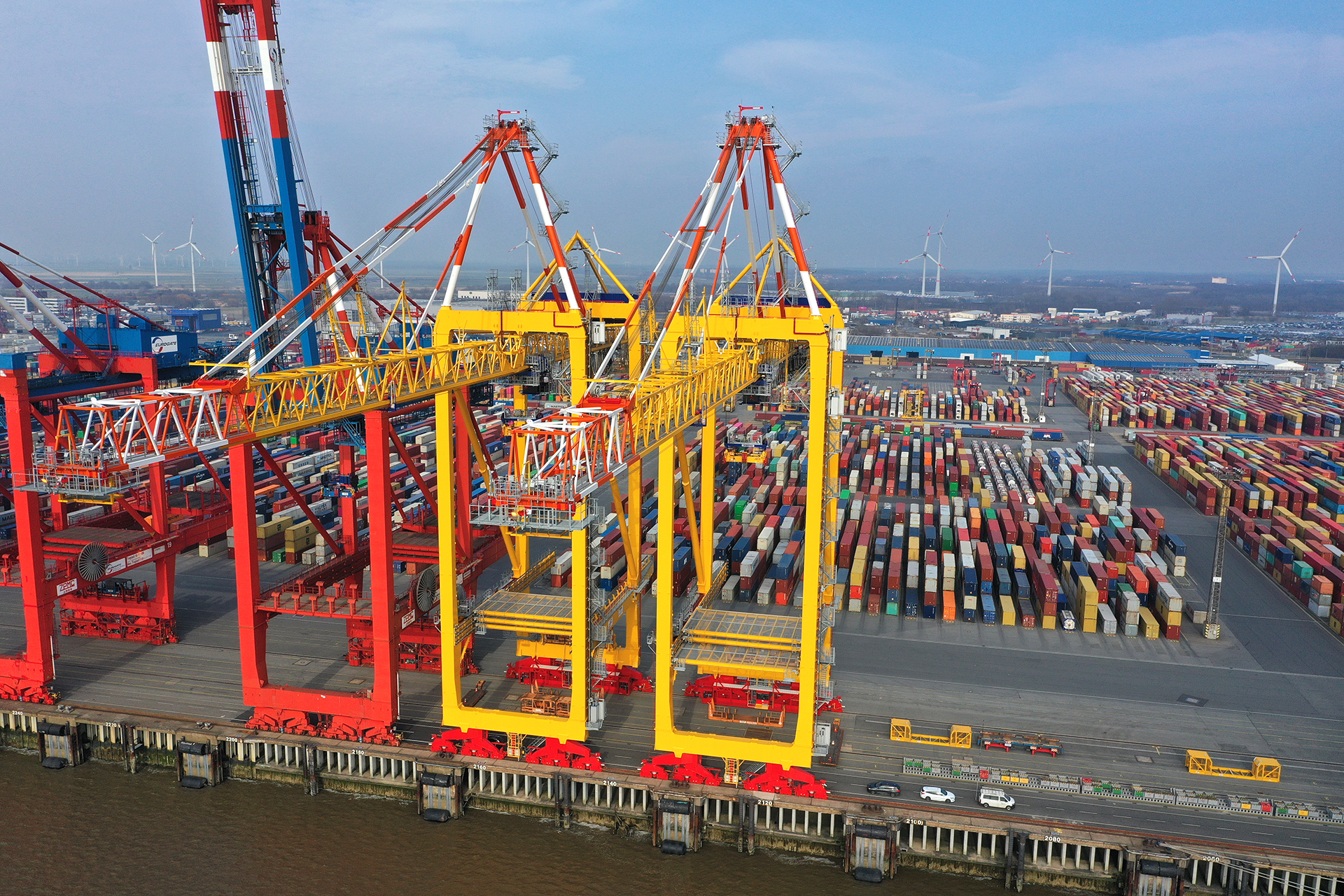 defaultDe twee nieuwe kranen van MSC-Eurogate in Bremerhaven. (Foto Eurogate)