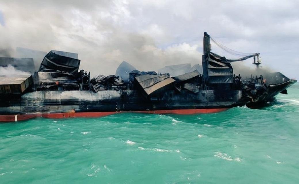 De X-Press Pearl is volledig verloren (Foto Sri Lanka Ports Authority)