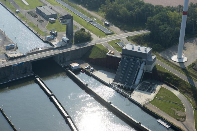 De brug- en sluizenautomatisering begint op het Belgische Albertkanaal. (Foto De Vlaamse Waterweg)