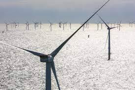 Van Oord doet werk bij het offshore windpark Saint-Brieuc in de baai van Saint-Brieuc in Bretagne. (Foto Allseas)