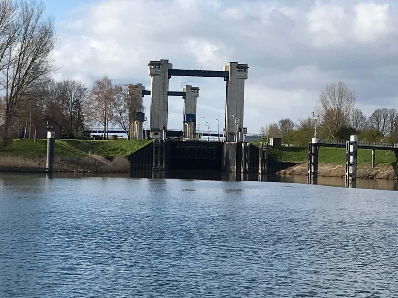 Sluis St. Andries is sinds half mei 2021weer open voor scheepvaart