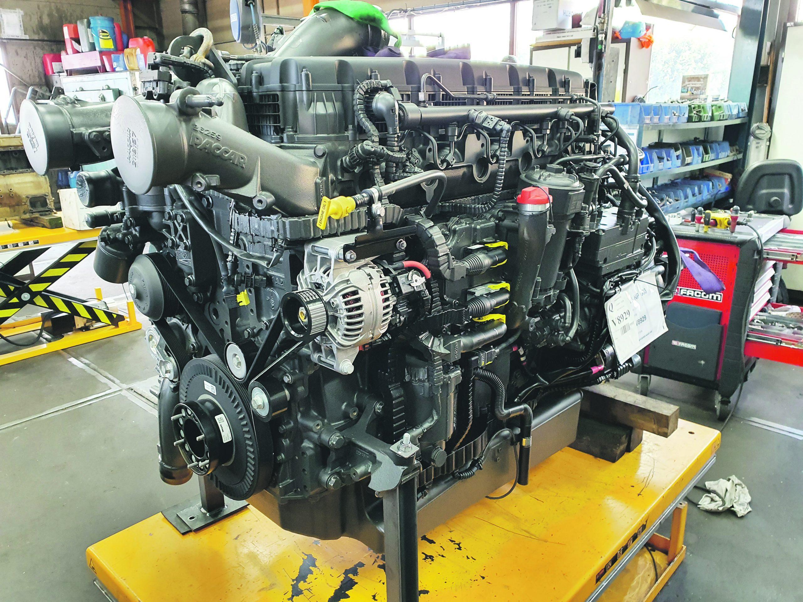 De Estero krijgt bij Vink Diesel in Sliedrecht een nieuwe DAF-motor.