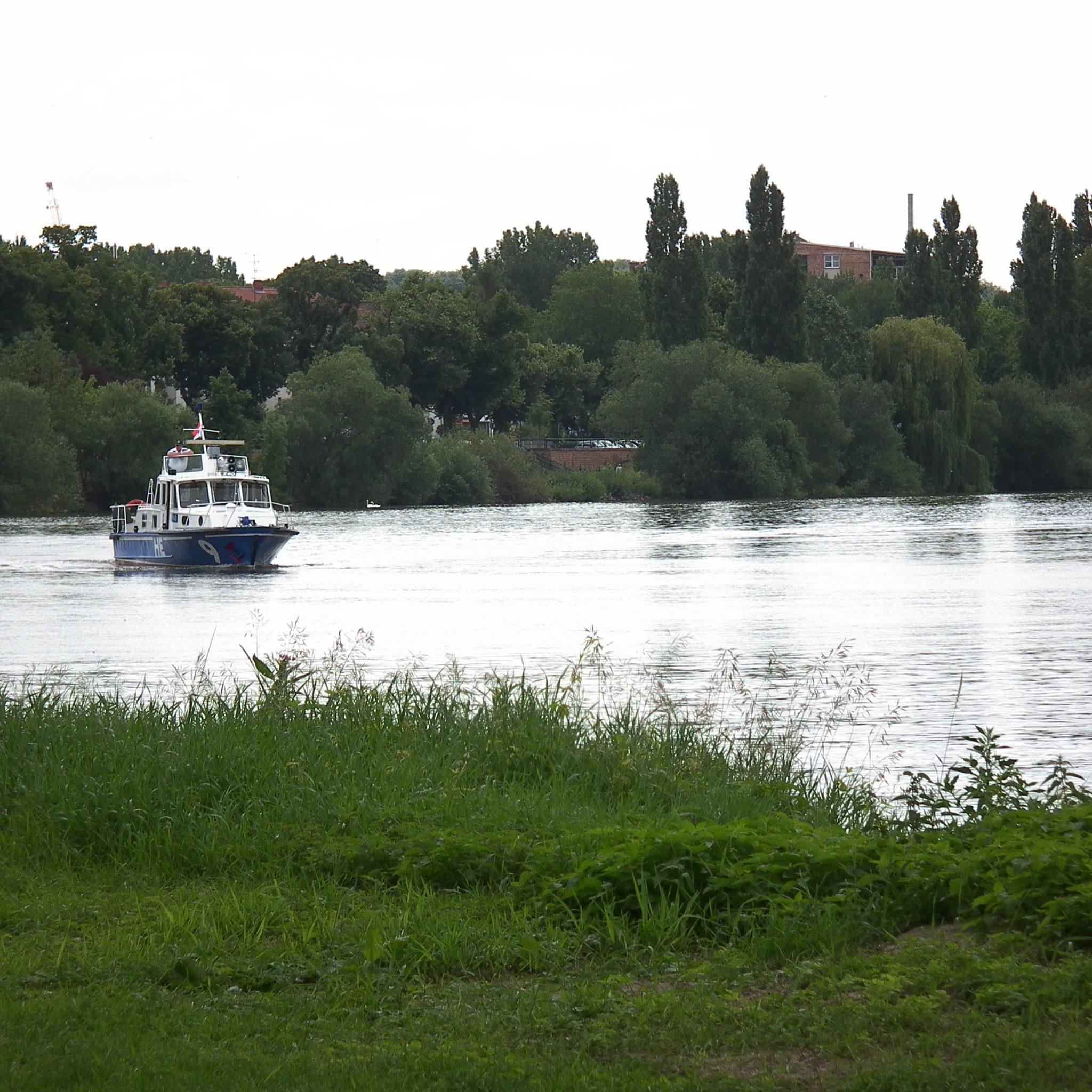 Patrouilleboot van de WSP in Wiesbaden. (Foto Wikimedia Commons)