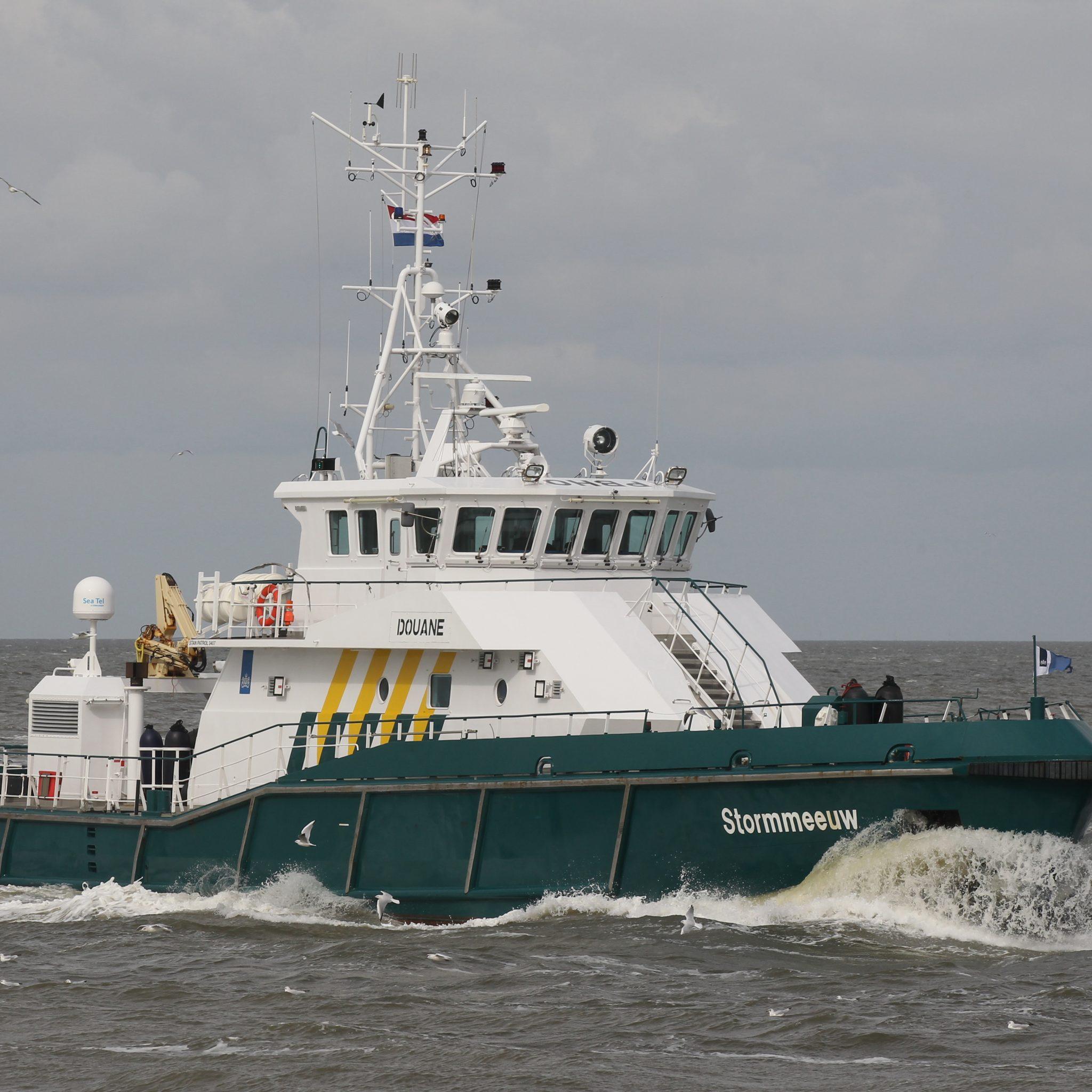 De Stormmeeuw in actie als douanevaartuig. (Foto Bram Pronk)