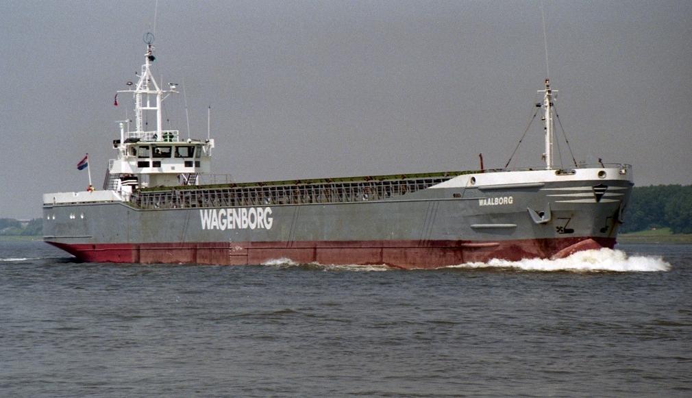 De bij J.J. Sietas in Hamburg gebouwde Waalborg heeft het toch ruim 40 jaar volgehouden op zee. Foto Bob van Raad