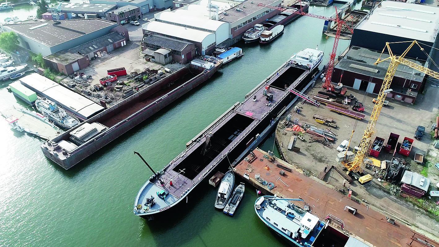 Beequip heeft onder meer de vergroening van binnenvaartschip Roma gefinancieerd. Foto: Beequip