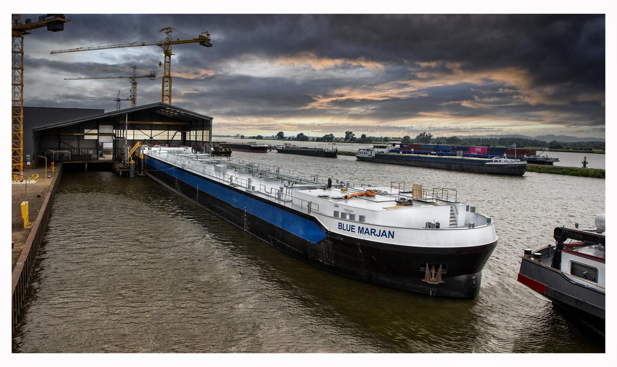 Blue Marjan is de eerste van de 40 LNG-schepen van Shell (Foto De Waal)