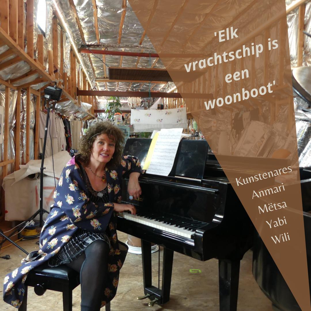 De Zwitserse kunstenares Anmari Mëtsa Yabi Wili kocht in 2009 een verlengde spits en verbouwde die tot varend woonschip en platform voor haar artistieke projecten. Ze was in Bazel noch de aangrenzende Franse en Duitse voorsteden welkom. Sinds december 2020 is ze in Nederland om verder aan haar schip te bouwen en nieuwe kunstprojecten op te zetten.