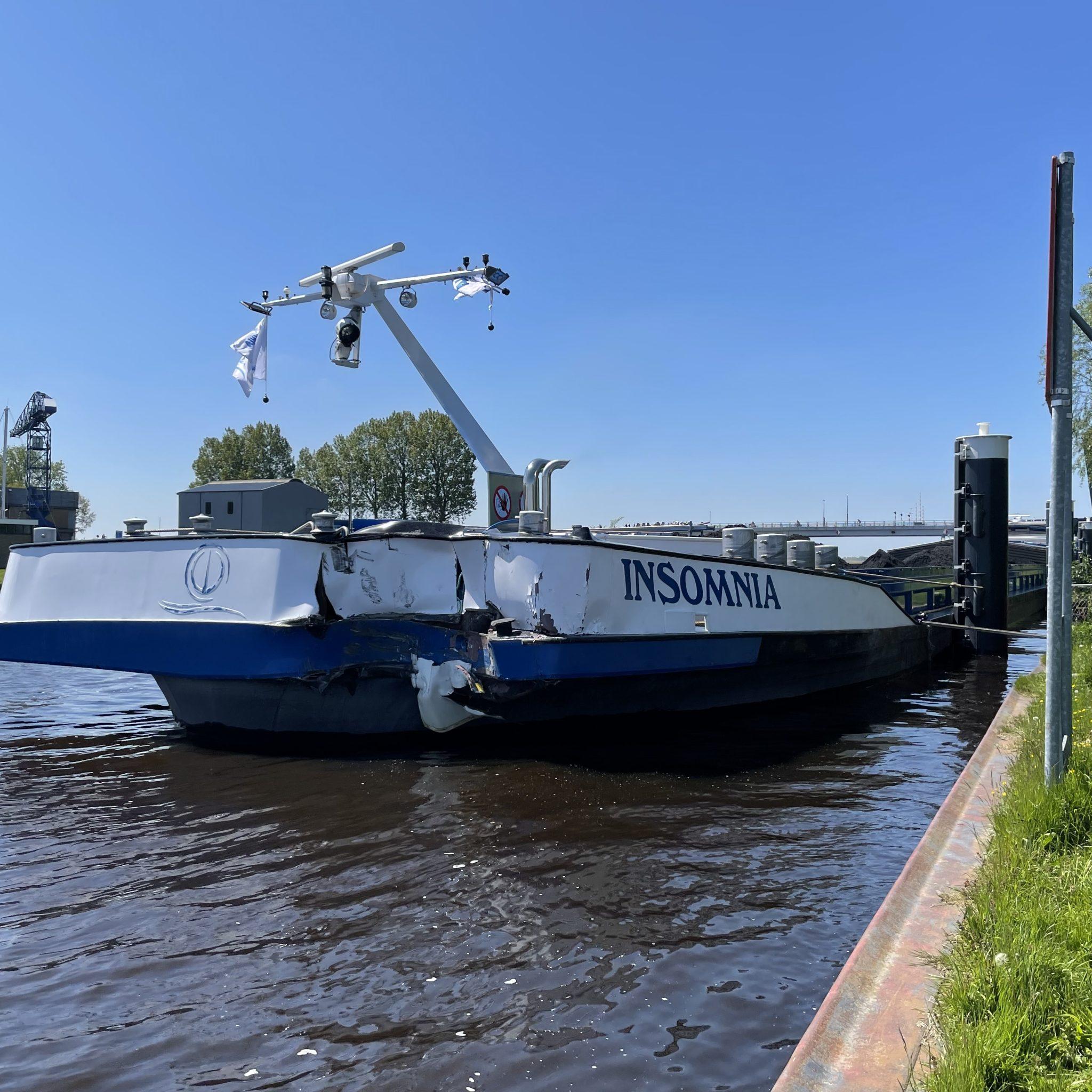 In 2021 lijken er opnieuw veel aanvaringen te zijn met bruggen, waaronder de Fonejachtbrug in Garyp. (Foto VOF Noordernieuws)