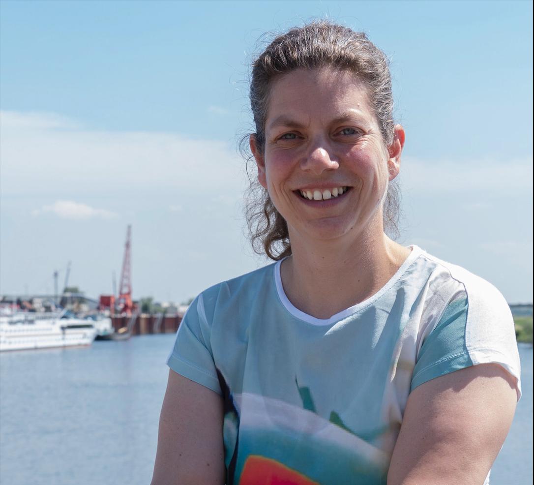 Ondernemers in de Nieuwe Haven hebben volgens Irene van Dongen weinig vertrouwen in de slagvaardigheid van de gemeente Arnhem. (Foto Xandra Derks)