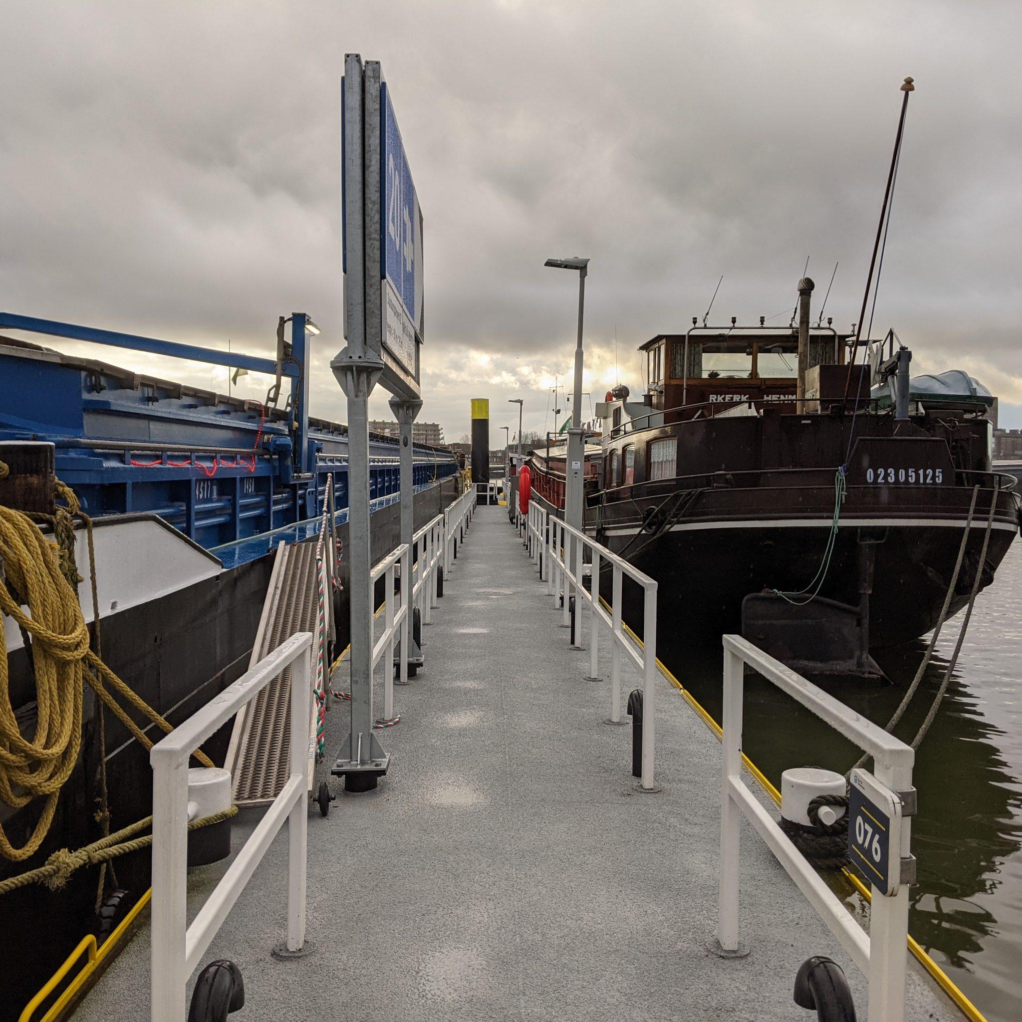 Liggen alle risico's van verduurzaming bij de binnenvaartondernemer? (Foto Robin van den Bovenkamp)